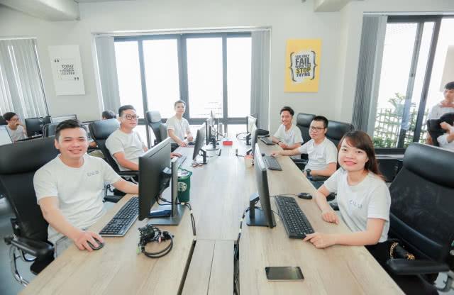enlab-vietnam-offshore-software-development-careers-1@2x